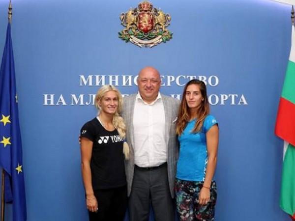 Състезателките по бадминтон Габриела и Стефани Стоеви ще се състезават
