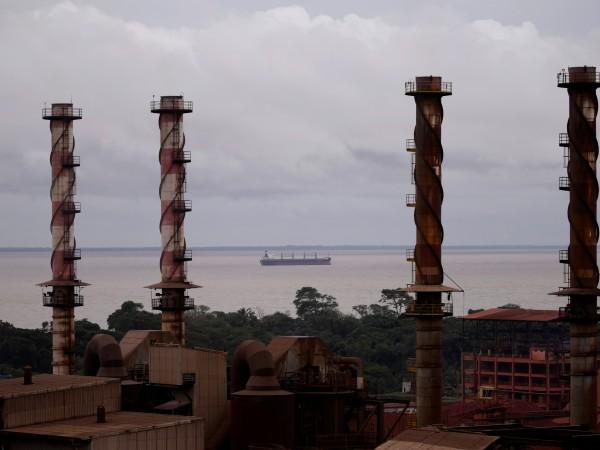 Двата ирански търговски кораба, блокирани в Бразилия от началото на