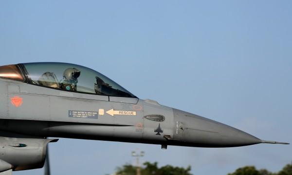 Свърши се! Държавен вестник обнародва сделката за F-16