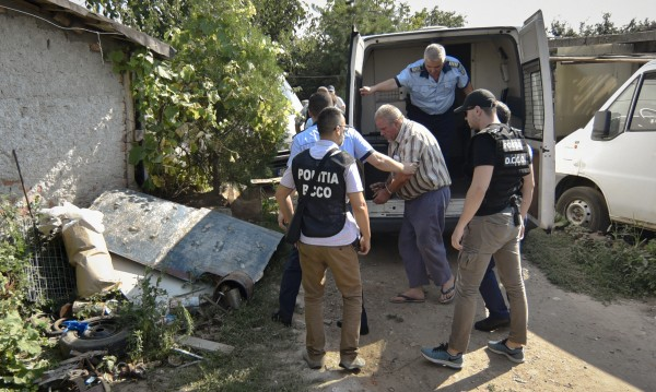 Оставка на румънски министър заради убийството на момиче