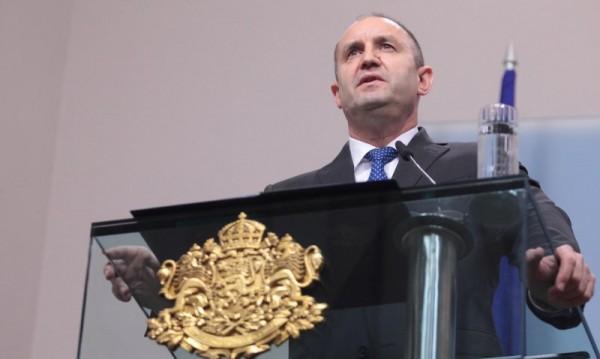 Радев сезира КС за финансирането на партиите от фирми