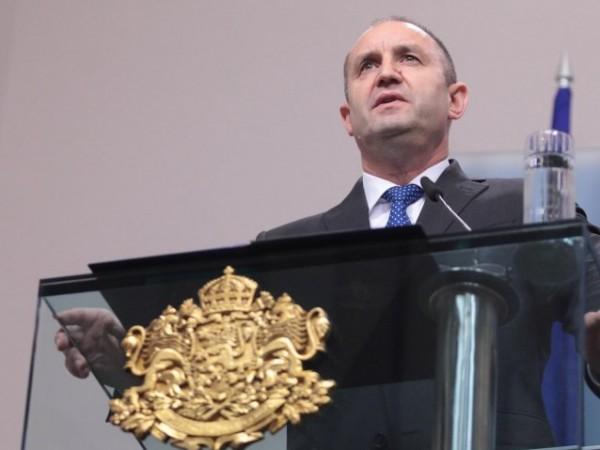 Президентът Румен Радев сезира Конституционния съд с искане да бъдат