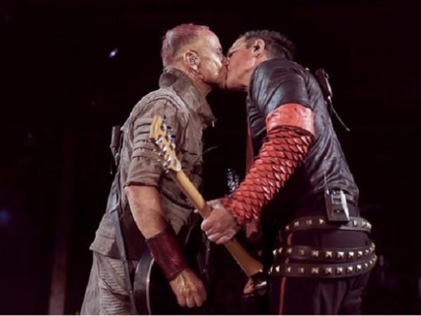 """""""Русия, обичаме те!"""" С това описание групата Rammstein публикуваха интересна"""