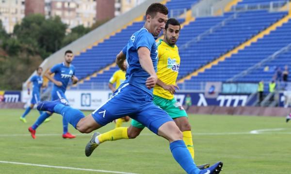 """Тежка загуба за Левски, АЕК Ларнака победи сините на """"Герена"""""""