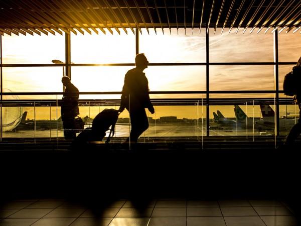 """Лондонското летище """"Хийтроу"""" съобщи днес, че отменя 172 полета заради"""