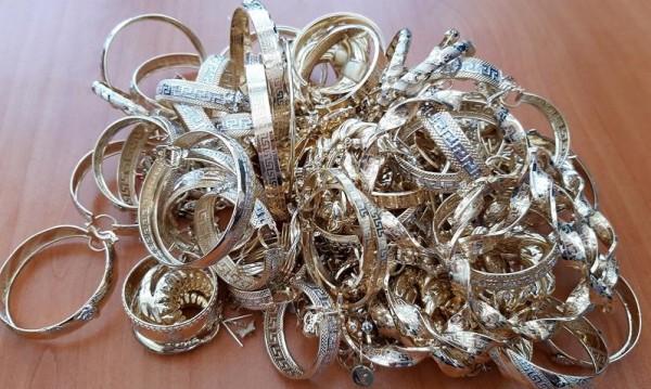 Митничари спипаха златни накити за над 90 000 лева