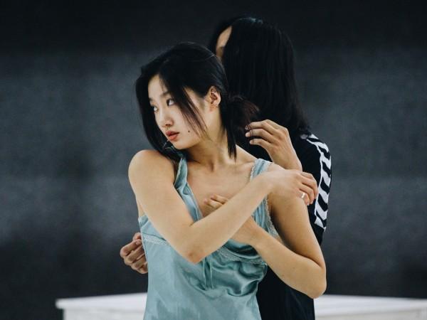 Caged е първият международен танцов спектакъл, създаден в Пловдив. Той
