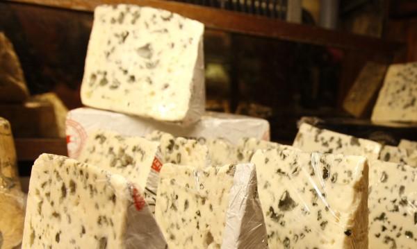 """Изтеглят опасно сирене """"рокфор"""" от гръцкия пазар"""