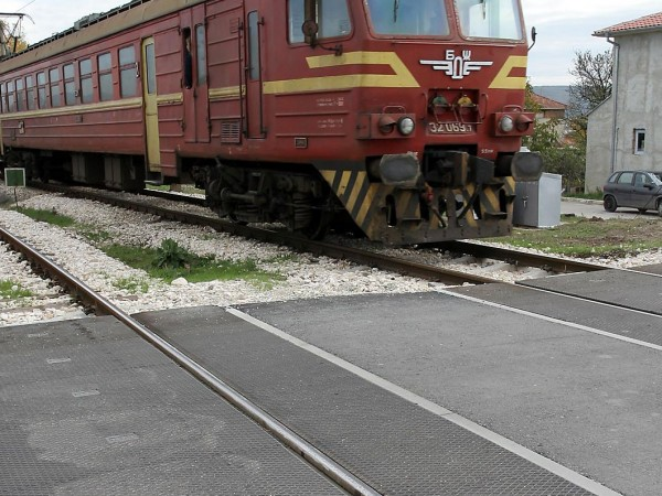 Снимка: 51-годишна жена отнела предимство на влак, няма пострадали