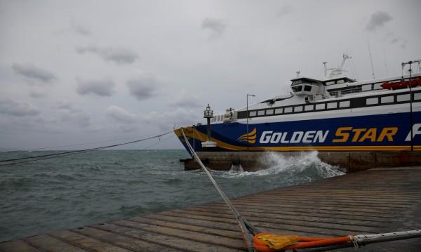 Пет ферибота осигурени днес от Самотраки за Александруполис