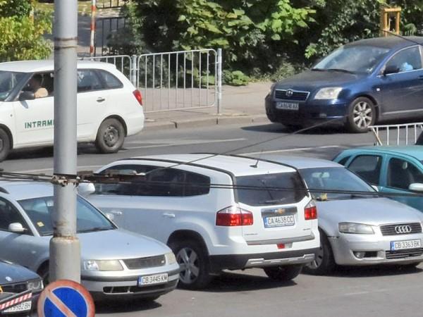 Снимка: Какви коли купуваме? Стари, до 7 бона, но лачени