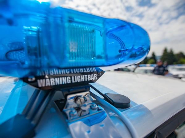 Снимка: Мъж си преряза гърлото с бутилка при полицейска проверка