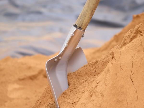 Снимка: 14-годишен преби дядо с кол и лопата в Плевен