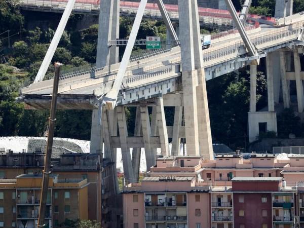 Снимка: Година след рухналия мост – раната от Генуа още е отворена