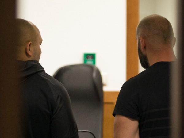 """Снимка: Оставиха в ареста двама заради погрома в """"Бесо"""""""
