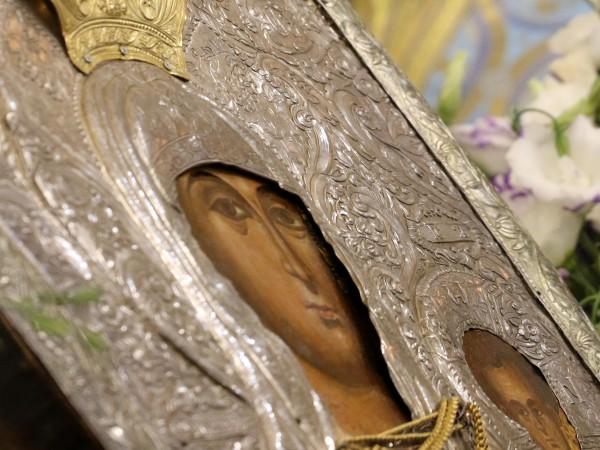 Църковният празник Успение - заспиване, на Пресвета Богородица, който е