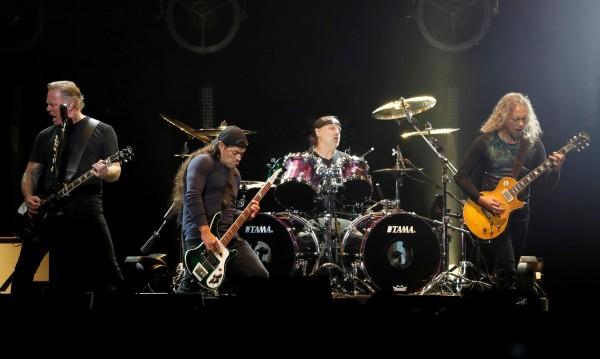 Metallica дари 250 хил. евро за педиатрия в Румъния