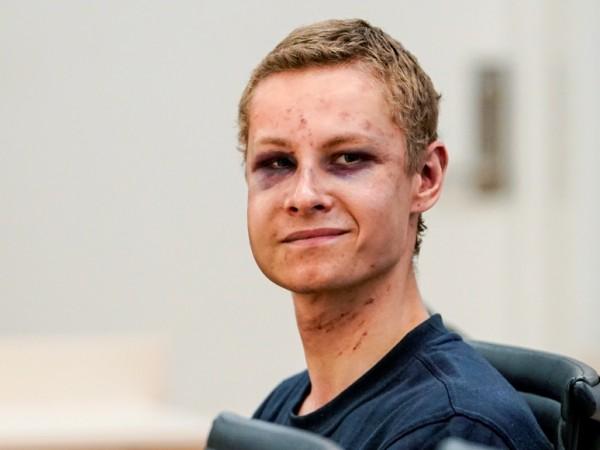 Норвежецът, обвинен за стрелбата в джамията в предградие на Осло