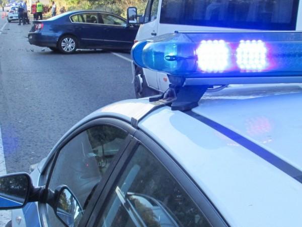 Две леки коли са катастрофирали рано тази сутрин на магистрала