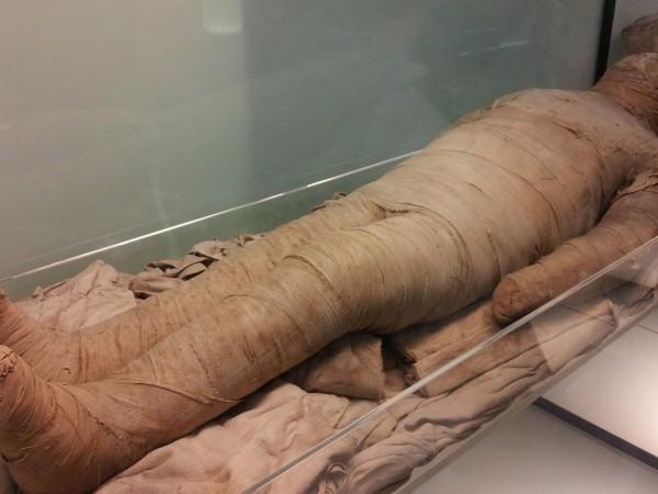 Мъж е открил мумифицирано тяло в наследствената си къща в