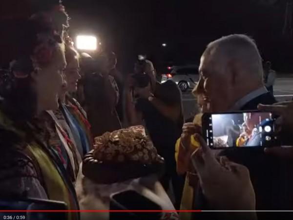 Съпругата на премиера на Израел Бенямин Нетаняху – Сара, хвърли