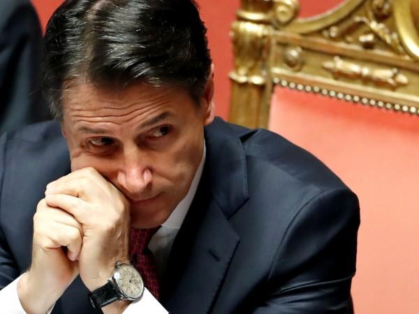 Снимка: Италия пред хаос: Премиерът Джузепе Конте подаде оставка