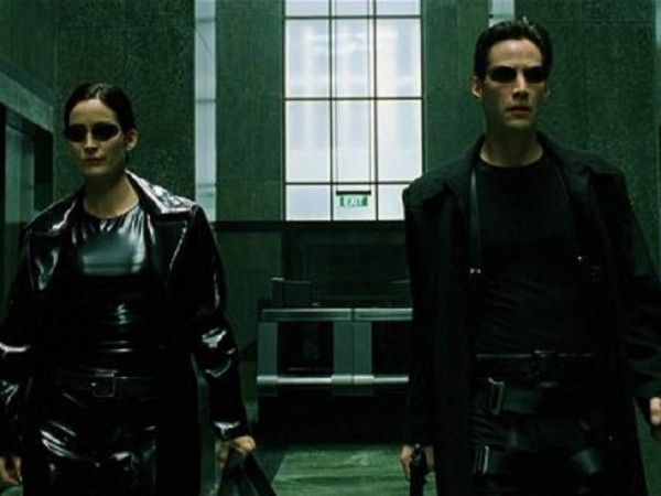 """20 години след излизането на """"Матрицата"""", Warner Bros. Pictures обяви,"""