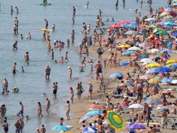 Правителството определи концесионерите на два морски плажа.6 лв. ще бъде