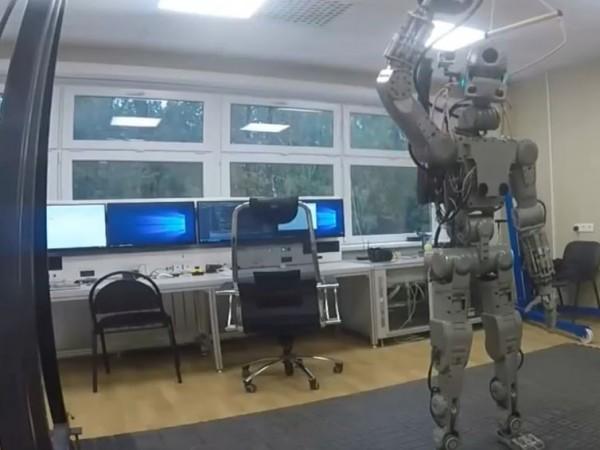 Тържествено посрещане на робота Фьодор на Международната космическа станция (МКС)