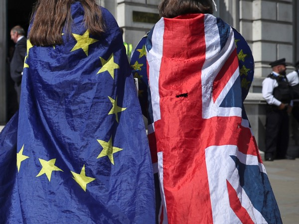 Повече от половината британци подкрепят идеята евентуално окончателно споразумение за