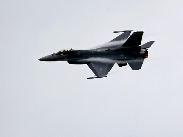 Китай осъди планираната продажба на 66 изтребителя Ф-16 от САЩ