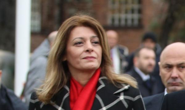 Деси Радева: Пишете ме отговорна за всичко - за НАП, за апартаментгейт