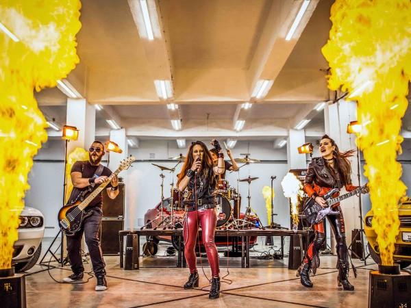 20 дни делят българската публика от срещата ѝ с една