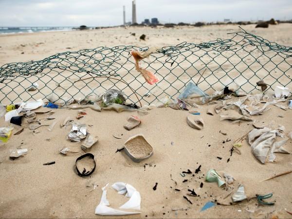 Снимка: Израел е пристрастен към... пластмасата. Как се бори с нея?