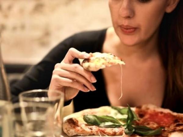 Чували ли сте за емоционално хранене? Това е хранене, което