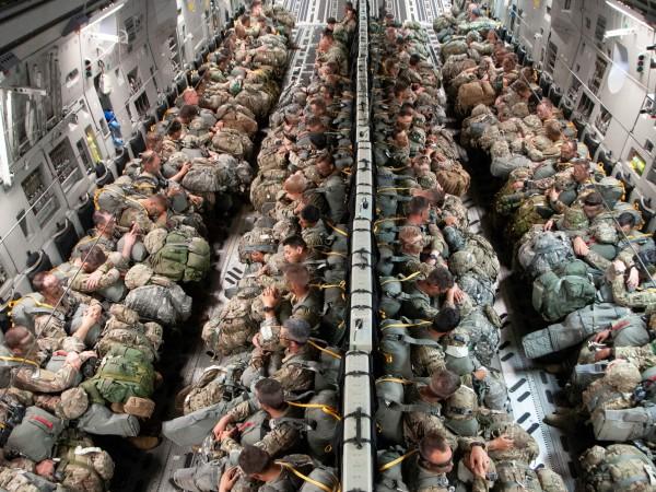 Съединените щати обмислят дали да не пръхвърлят хиляда свои войници