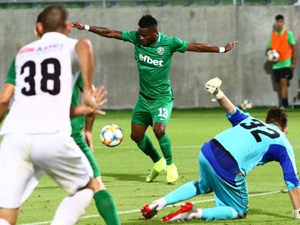 Лудогорец и Славия завършиха 0:0 в най-скандалния мач от началото