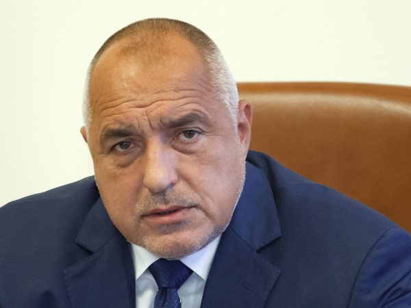 Премиерът Бойко Борисов отново подкара джипа за поредната лична инспекция