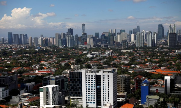 Джакарта няма да е столица на Индонезия. Но и други градове потъват...