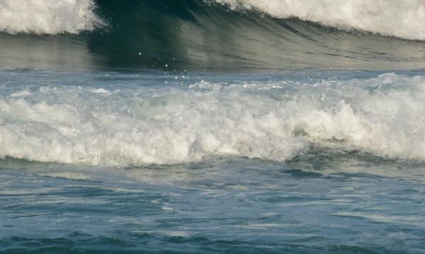15-годишен се удави в Царево, скачал от скали