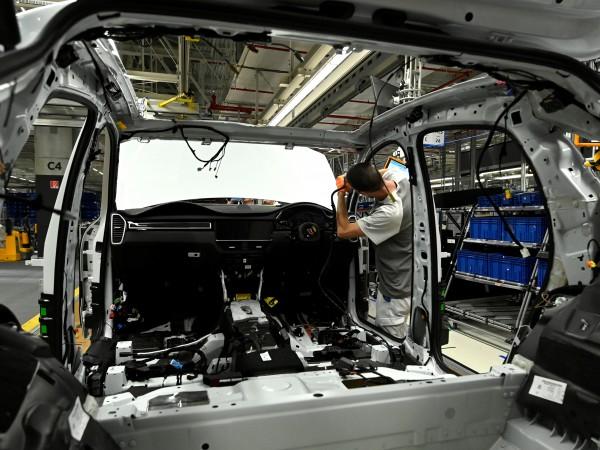 Низходящият тренд в автомобилния бизнес остави дълбоки белези в отчетите