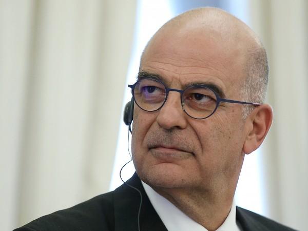 Гръцкият министър на външните работи Никос Дендиас се срещна в