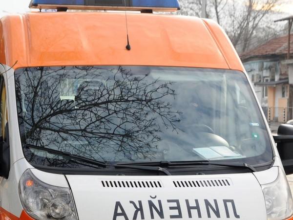 33-годишен мъж е загинал при катастрофа между два леки автомобила