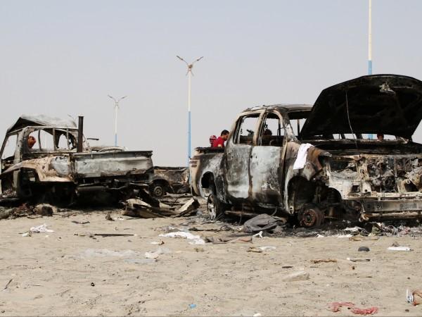 Най-малко 100 човека бяха убити при въздушен удар на предвожданата