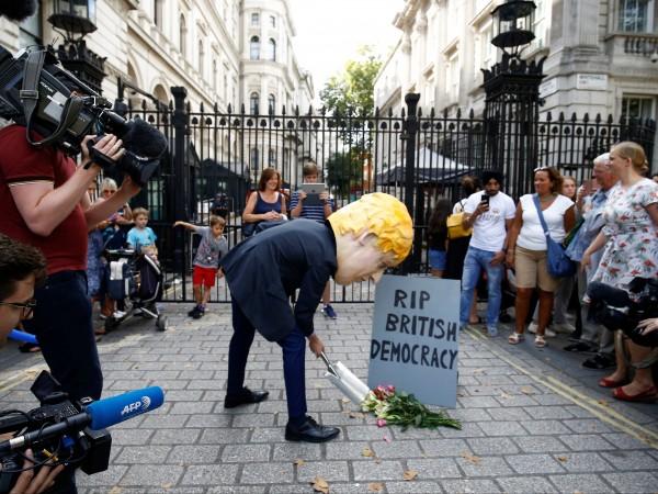Британските законодатели ще задействат тази седмица плановете си да попречат