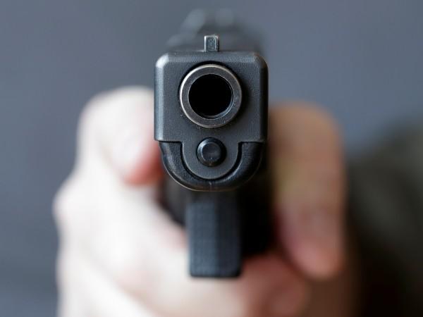 Майка случайно простреля дъщеря си в Охайо. Тийнейджърката се прибрала