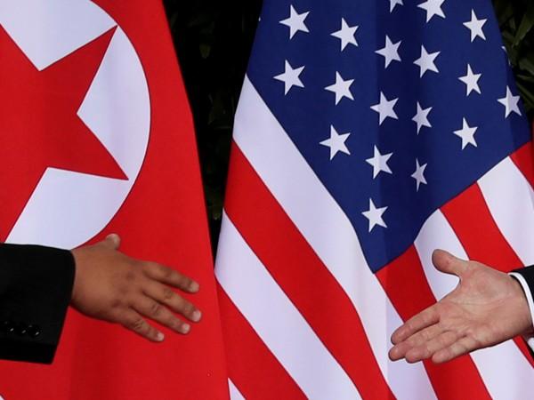 """Нарекли преди време Джон Болтън """"маниак на войната"""", днес севернокорейските"""