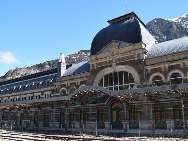 Сгушена в Пиренеите, на границата между Франция и Испания, се