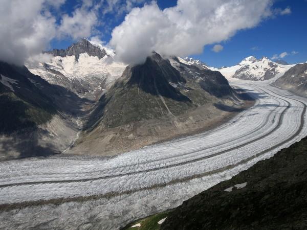 Впечатляващият Алечки ледник - най-големият в Алпите, намиращ се в