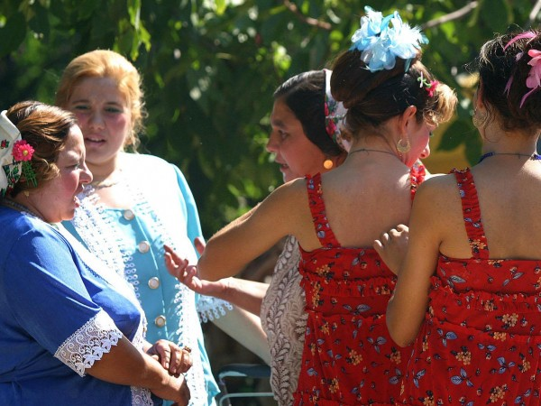"""10 000 евро струва едно калайджийско момиче от """"добро семейство"""""""